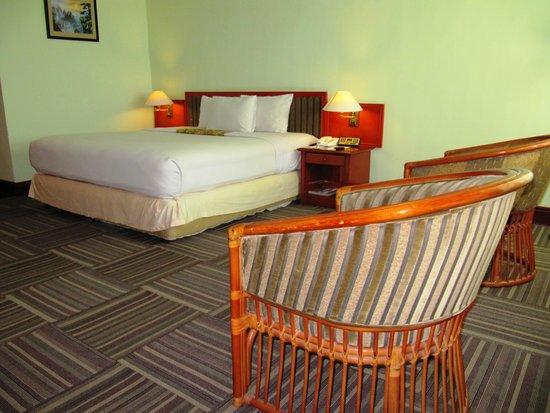 Soechi International Hotel: luxury room
