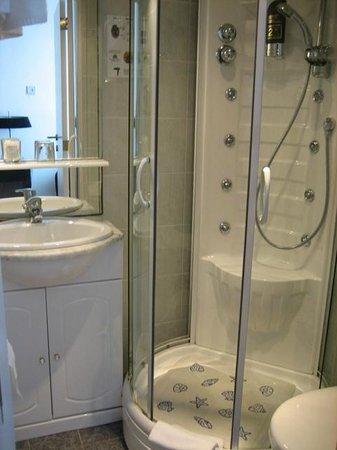 Hotel Du Soleil : Ванная комната