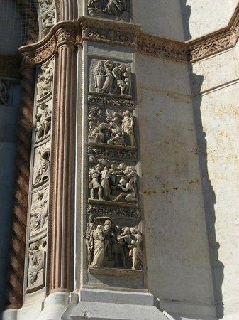 Basilica di San Petronio: partic fronte
