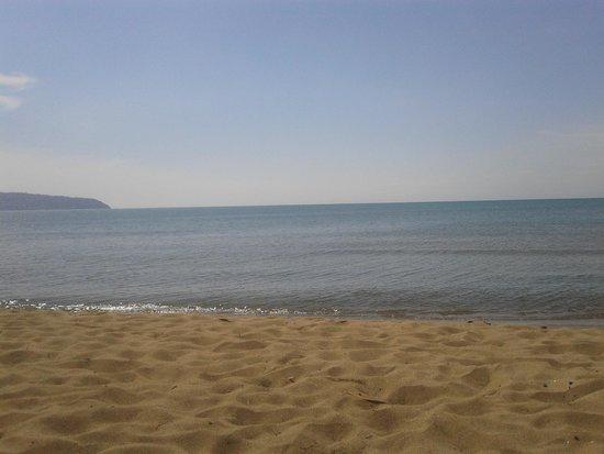 Orbetello Camping Village: spiaggia