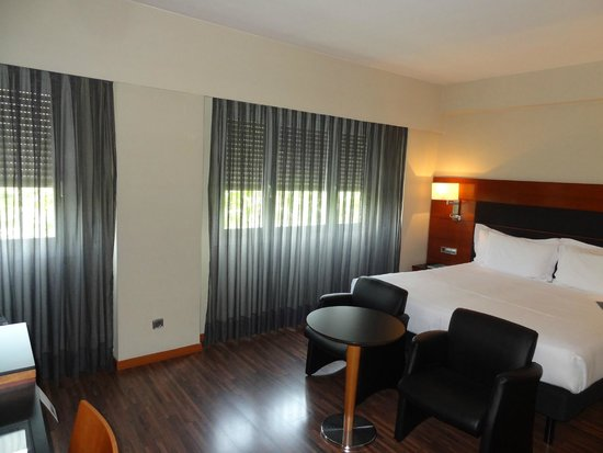AC Hotel Carlton Madrid : Номер.
