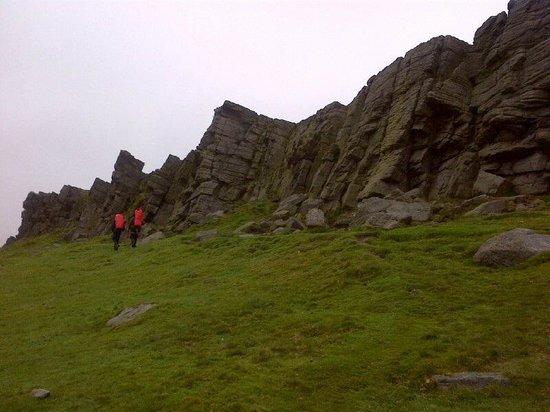 Peak Mountaineering Day Tours: Windgather Rocks in the Peak District