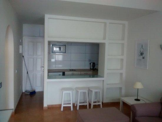 Apartamentos THe Las Gaviotas : Cocina desde salon