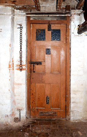 Dorchester's Shire Hall: Cell door
