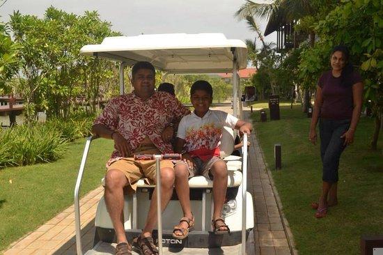 Anantaya Resort & Spa Chilaw: Ananthaya Electric cars