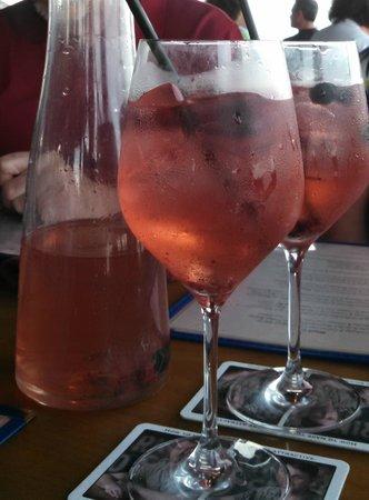 Oceanfront Grille : Berry Sangria