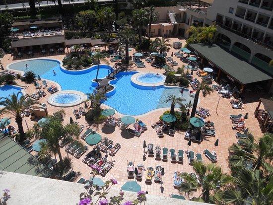 Golden Bahia de Tossa : Rooftop View of Pool