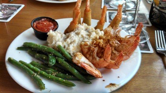 Oceanfront Grille : Steamed shrimp + Shrimp Wellington