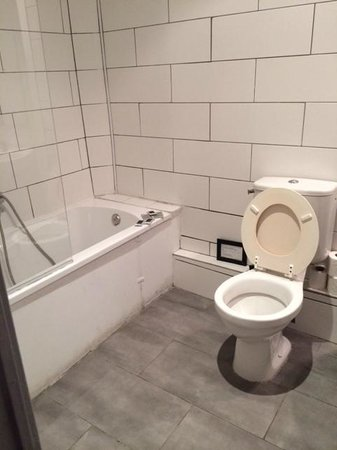 Hotel Montgrand : salle de bain