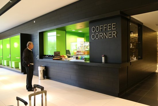 Novotel Amsterdam City: Coffee Area