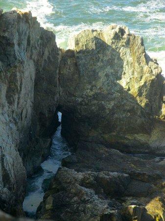 Devil's Slide Trail: Natural arch?