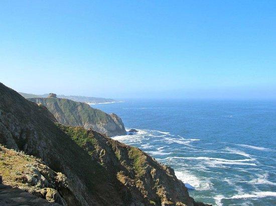 Devil's Slide Trail: Looking south toward Half Moon Bay