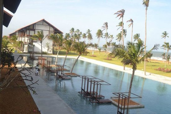 Anantaya Resort & Spa Chilaw : Ananthaya's pool from the balcony
