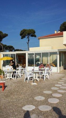 Hotel Lido Beach: véranda et terrasse du petit déjeuner