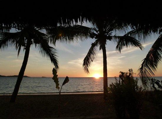 Anjiamarango Beach Resort: Sunset viewd from the bungalow