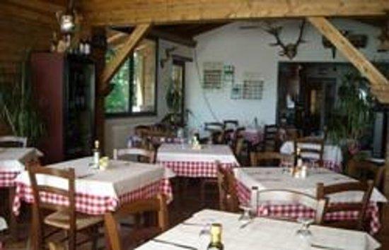 """Trattoria """"Al Grottino"""" con Alloggio : Sala da Pranzo"""