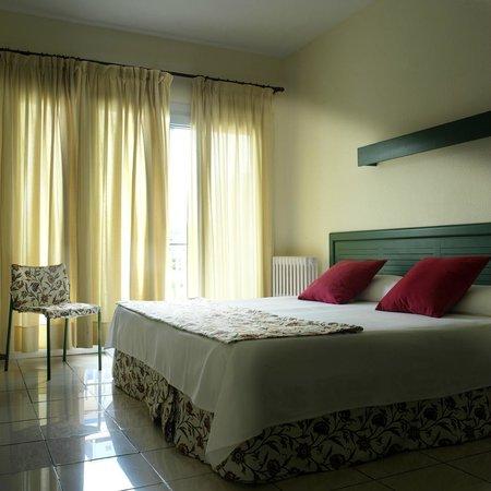 Mundial Club Hotel : Habitación