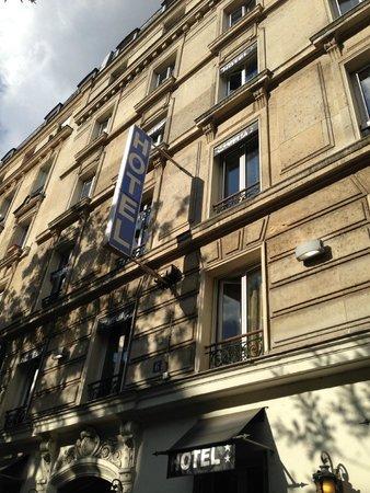 Hotel Camelia Prestige: Außen