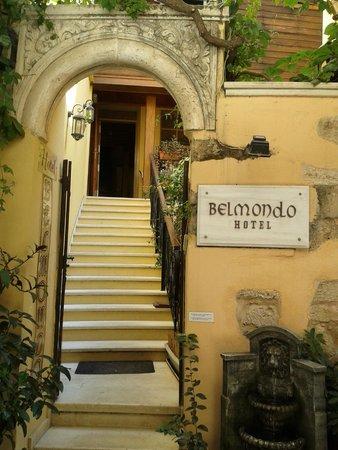 Hotel Belmondo: Entrada al hotel