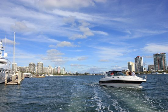 Surfers Paradise River Cruises: The view on board the cruise.