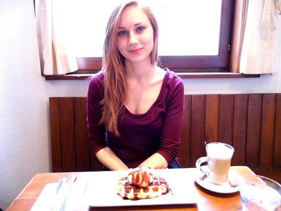 Maison Dandoy - Tea Room: wafles