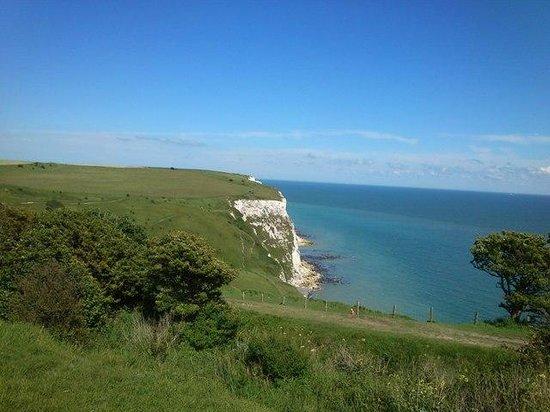 299 London Road : White cliffs
