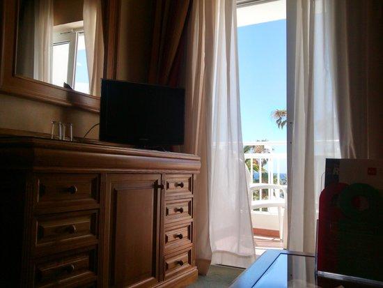 ClubHotel Riu Paraiso Lanzarote Resort: TV
