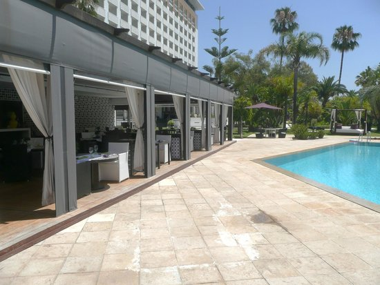 Sofitel Rabat Jardin des Roses : Lunch by the pool