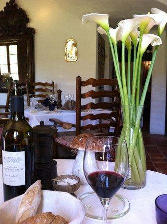 La petite maison de Cucuron : Upstairs dining room