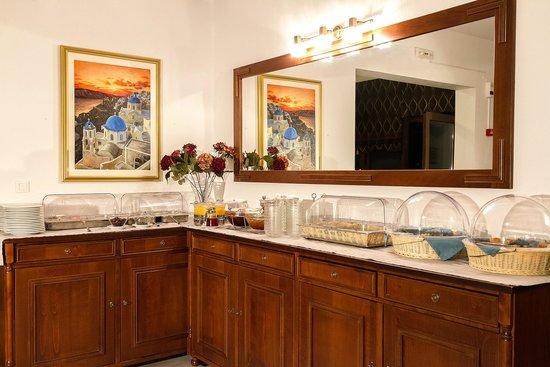 Hotel Mathios Village: breakfast available