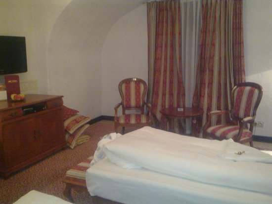 Arcadia Hotel: Room