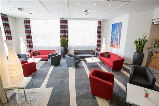 Holiday Inn Düsseldorf-Neuss: Lobby / Hotelhalle