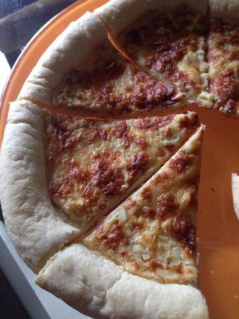 Aston Marina Hotel & Residence: The 'white' pizza