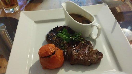 Andover House Hotel: Sirloin Steak WIth Mushroom Sauce