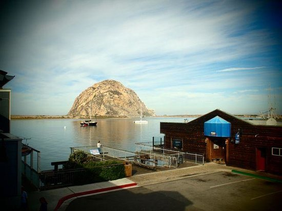Anderson Inn: Morro Rock from the balcony