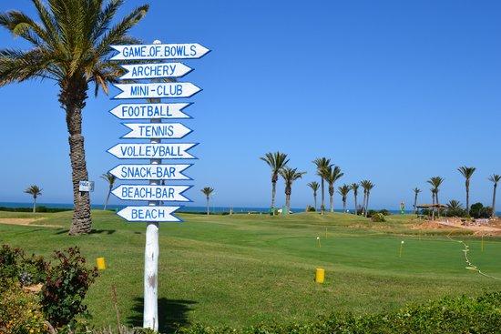 Nour Palace Resort : golf course