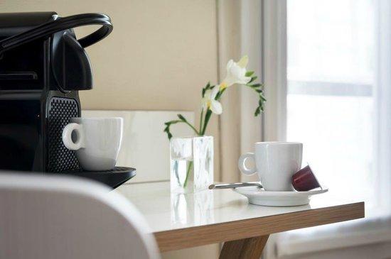 Max Hôtel : machine à café Nespresso dans toutes les chambres