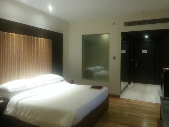 The Lalit Great Eastern Kolkata: Guest Room - New Block