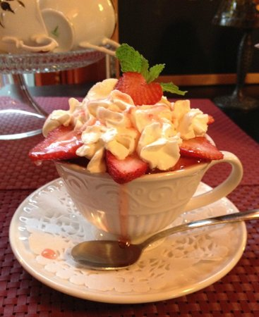 The Thorny Rose Cafe: Our famous Angel Food cake-in-a-cup