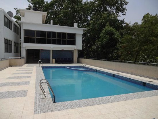 Kalchuri Residency: Rooftop Swimming Pool