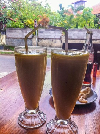 Warung Apple: Mango Smoothies