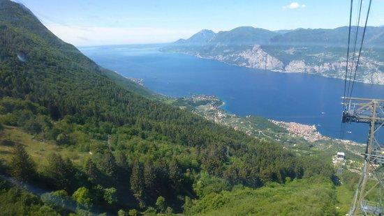 Hotel Garni Diana: Blick vom Monte Baldo auf Malcesine