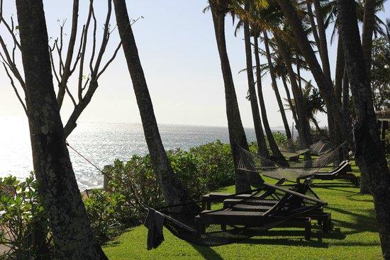 Outrigger Fiji Beach Resort: Beach Front