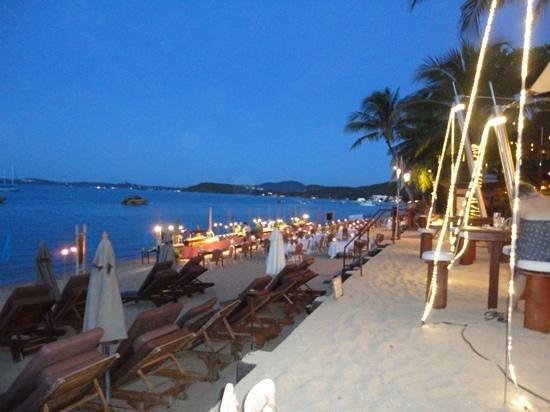 Bandara Resort & Spa : night time