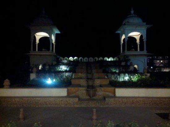 Club Mahindra Udaipur: View from lobby in the evening
