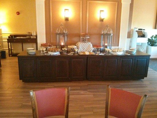 Churchill's Restaurant & Lounge: The Dessert Temple