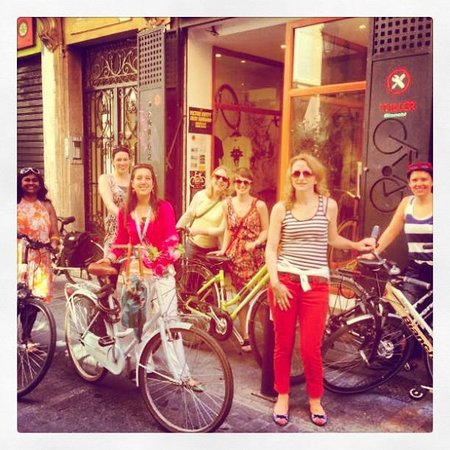 Tours in Valencia Play &Xperience: starting the biketour in the city center
