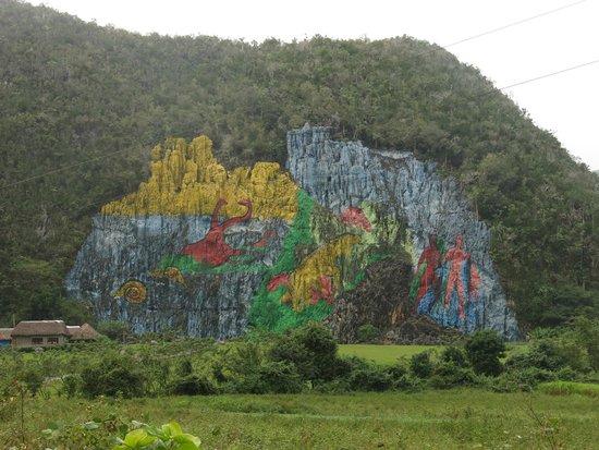 Mural picture of mural de la prehistoria vinales for Mural de la prehistoria