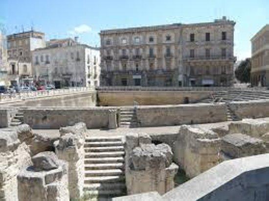 Anfiteatro Romano - Lecce - Picture of Vittorio Emanuele II, San Cesario di L...