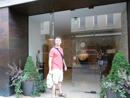 CORTIINA Hotel : жилой блок отеля с отдельным входом